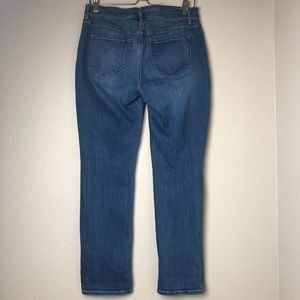 Jeans - Mid-Rise Curvy Straight Jeans in Size 6 Short
